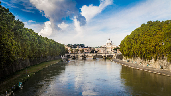 Looking toward Vatican City from Rome :: creative commons photo by Nicola
