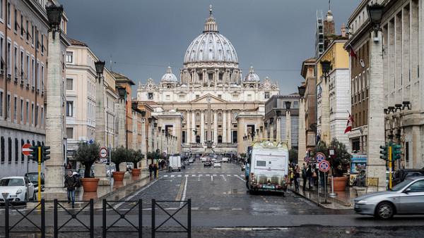Via della Conciliazione - by Nicola (creative commons)