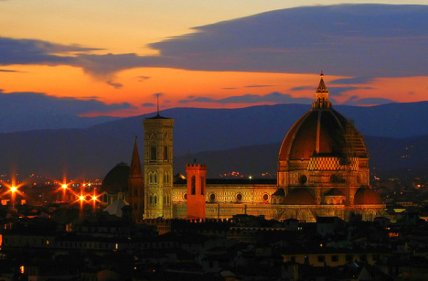 Florence Duomo at night || creative commons photo by runner310