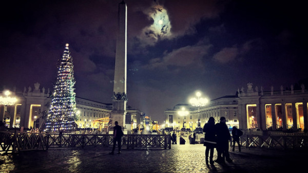 Christmas at the Vatican || creative commons photo by Carlo Mirante
