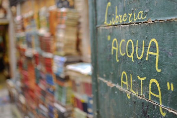 Libreria Acqua Alta || creative commons photo by Stefano Montagner