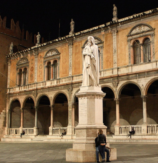 Dante Statue in Verona || creative commons photo by Dimitry B.