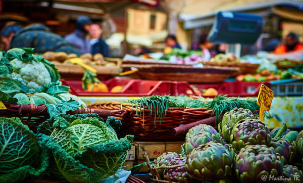 Campo dei Fiori market in Rome || creative commons photo by Martina TR