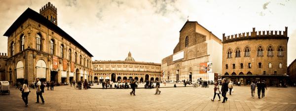 Bologna's Piazza Maggiore || creative commons photo by Matteo Paciotti