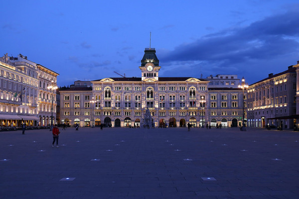 Piazza Unità d'Italia in Trieste at night || creative commons photo by Roberto Ferrari