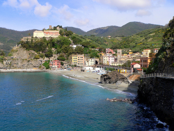 Monterosso al Mare || creative commons photo by Lee Coursey