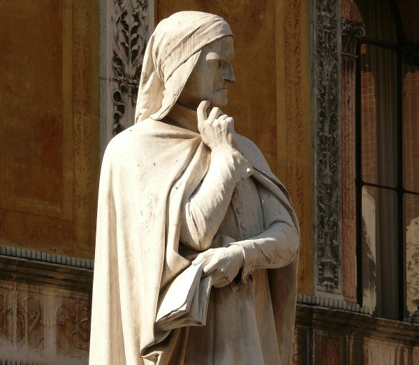 Dante statue in Verona || creative commons photo by Uwe Gerig