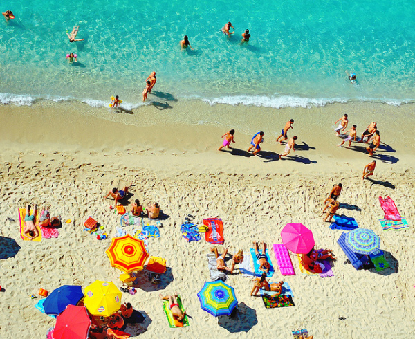 Beach in Tropea || creative commons photo by Piervincenzo Madeo