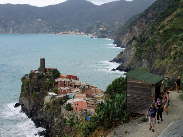 First look at Vernazza on the trail from Corniglia || creative commons photo by Dennis Matheson