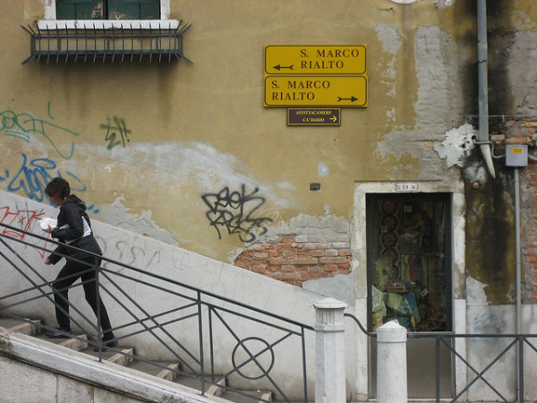 Directional signs in Venice || creative commons photo by Brent Fitzgerald