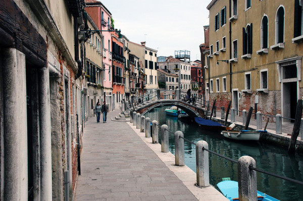 Quiet street in Venice || creative commons photo by Pug Girl