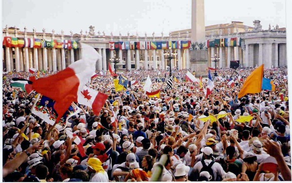 World Youth Day 2000 during Jubilee || creative commons photo by Sporki