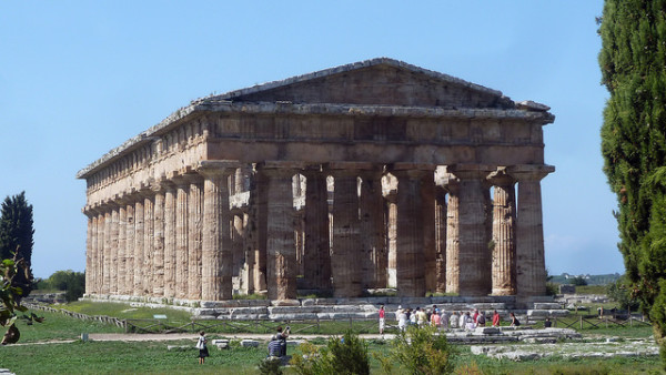 Greek temple at Paestum || creative commons photo by pululante