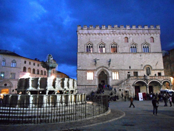 Fontana Maggiore in Perugia || creative commons photo by Karl