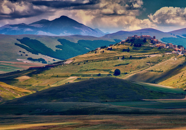 Castelluccio di Norcia || creative commons photo by Eric Huybrechts