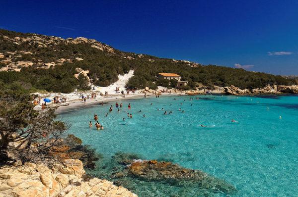 Blue Flag beach on La Maddalena in Sardinia || creative commons photo by Christoph Sammer