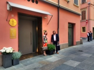 Kurt's son & daughter-in-law outside Osteria Francescana || photo courtesy of Kurt Strawhecker