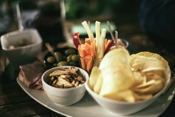 Aperitivo nibbles || public domain photo