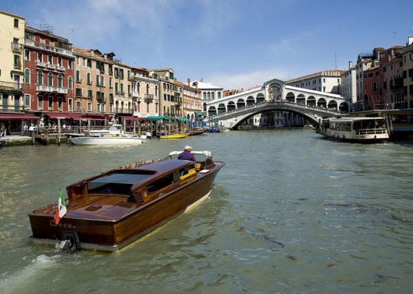 Grand Canal and Rialto Bridge || creative commons photo by Saffron Blaze