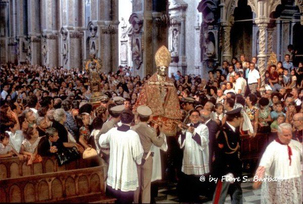 Festa di San Gennaro in Naples    creative commons photo by Fiore Silvestro Barbato