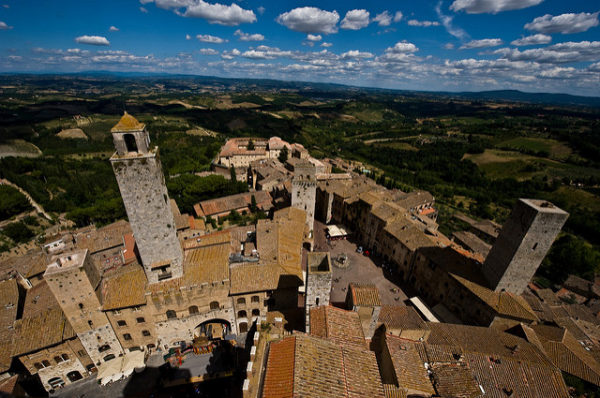 Overlooking San Gimignano || creative commons photo by Andrew Baldwin