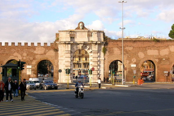 Porta San Giovanni || creative commons photo by LPLT