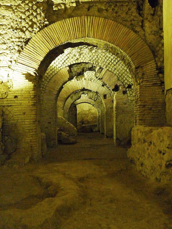 Ruins under San Lorenzo Maggiore || creative commons photo by Sergioizzo