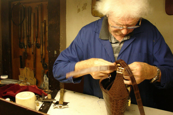 Santa Croce leather school artisan || creative commons photo by Vernaccia