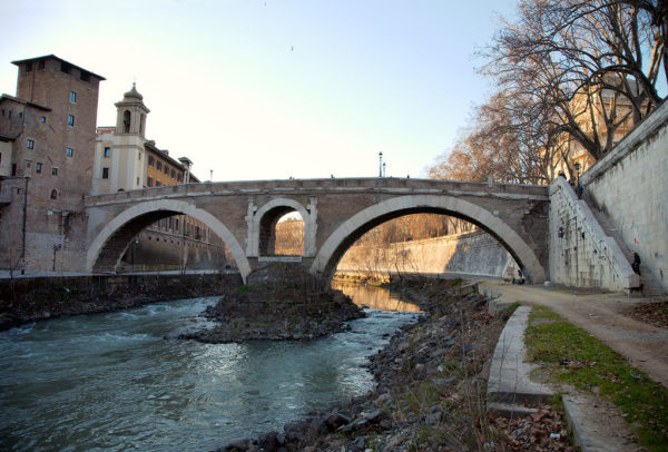 Pons Fabricius || creative commons photo by MatthiasKabel