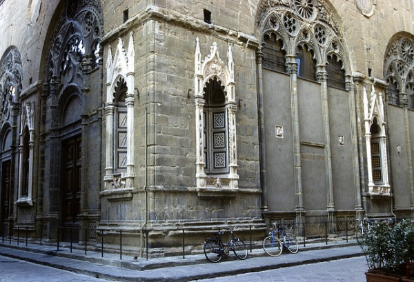 Orsanmichele exterior with empty niches || creative commons photo by Greg Willis